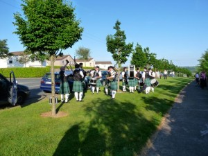 Carrigaline Pipe Band warming up